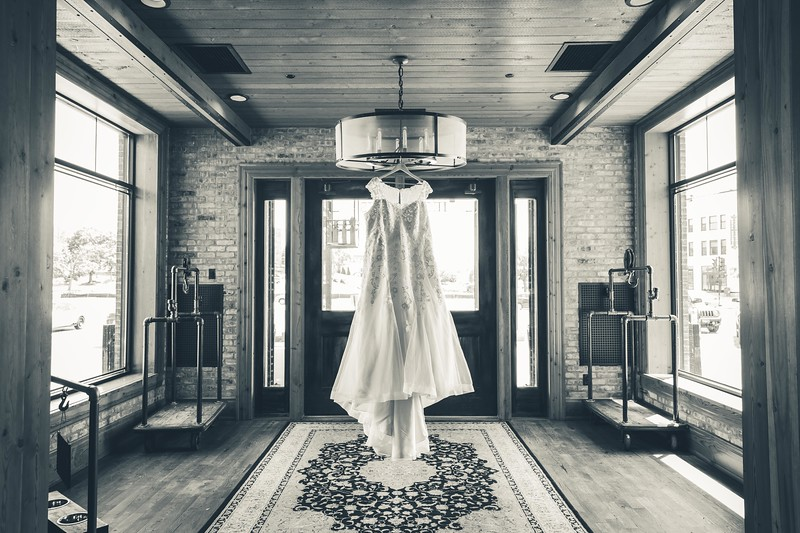 Beloit-WI-Ironworks-hotel-Wedding-Photographere_m_1.jpg