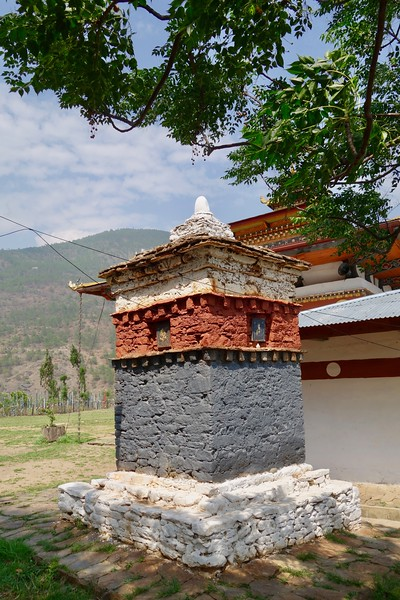 Chimi Lhakhang temple chorten