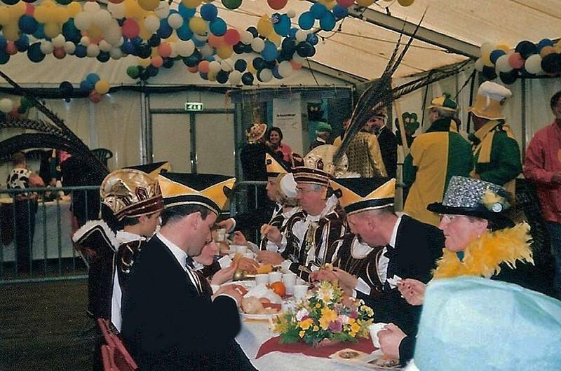 Prinsenontbijt in de Hostent verzorgd door Kiek ze Kieke en St. Anneke