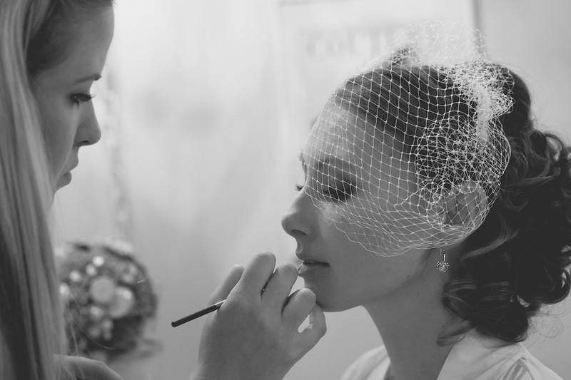 bride-getting-ready-wedding-photography.jpg