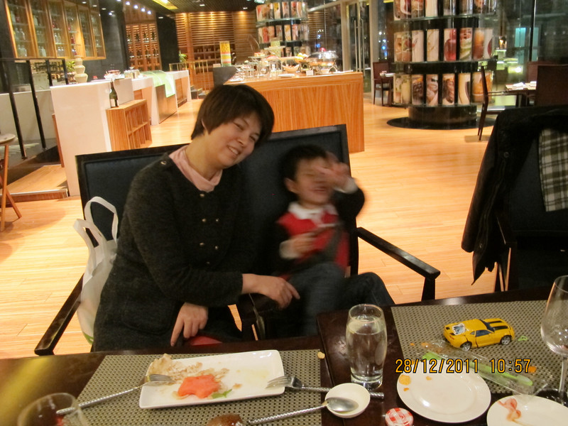 [20111228] Dinner with Chooi Family @ BJ Millenium Hotel (4).JPG