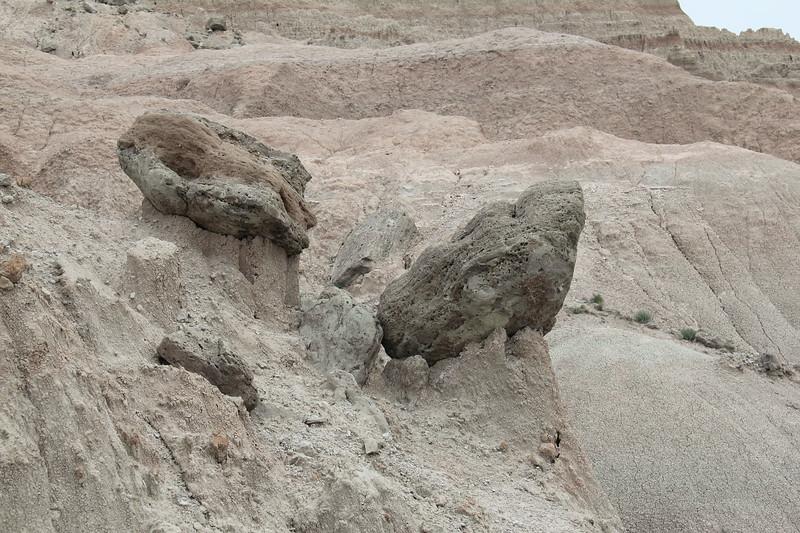20140523-099-BadlandsNP-SaddlePassTrail.JPG