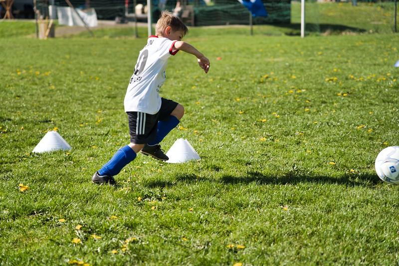 hsv-fussballschule---wochendendcamp-hannm-am-22-und-23042019-u59_40764452383_o.jpg