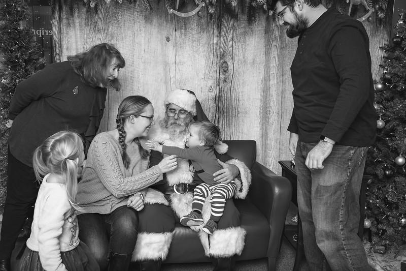 Ameriprise-Santa-Visit-181202-4959-BW.jpg
