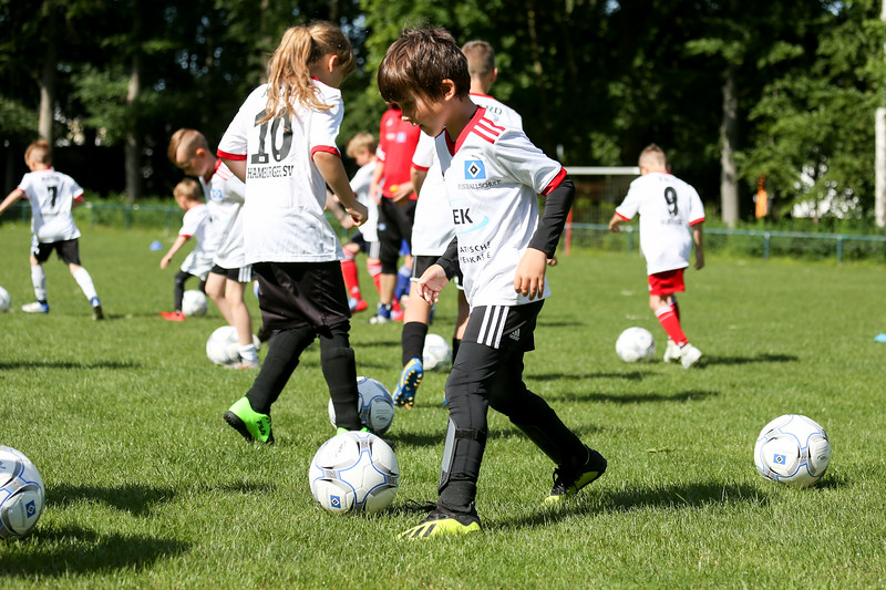 hsv_fussballschule-024_48048028377_o.jpg