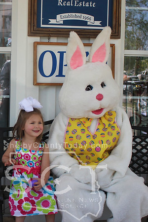 Easter Bunny at Town and Country RE