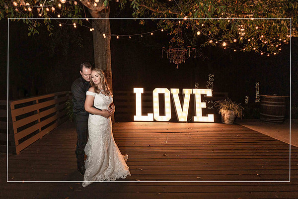 Fabulous fall wedding at the Carriage House in Conroe Texas
