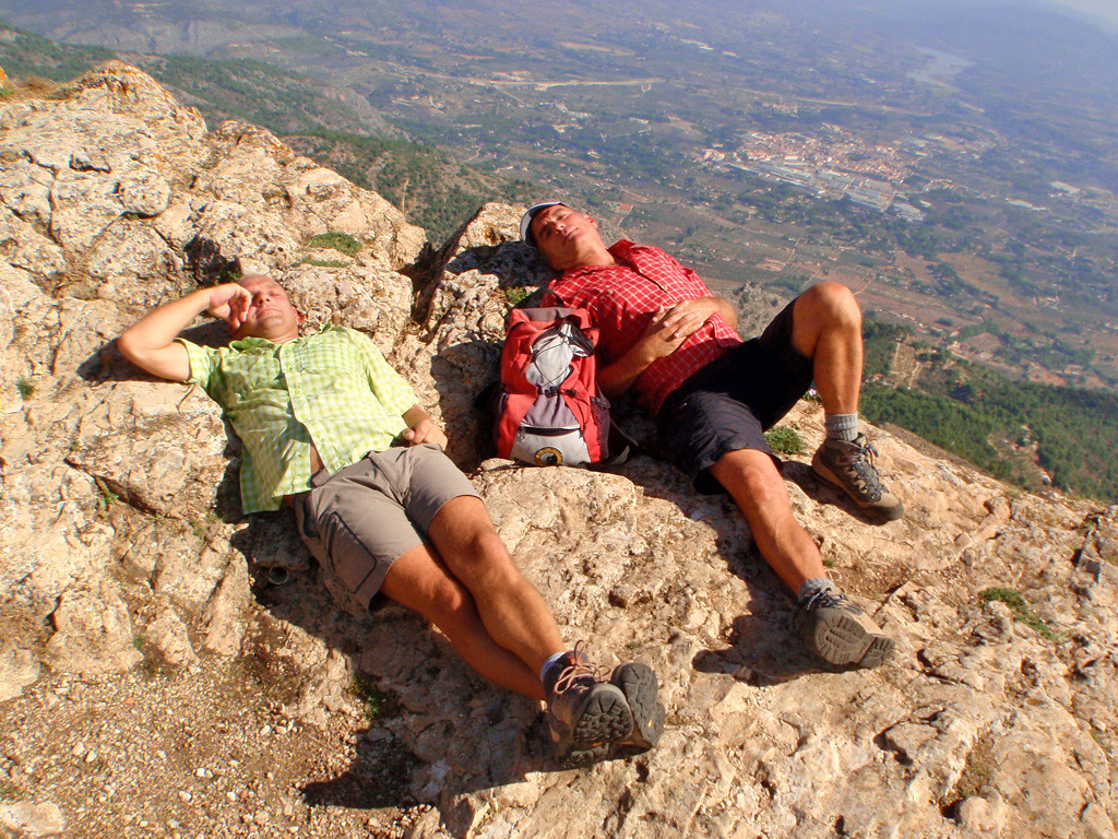 Taking a snooze on Montcabrer summit