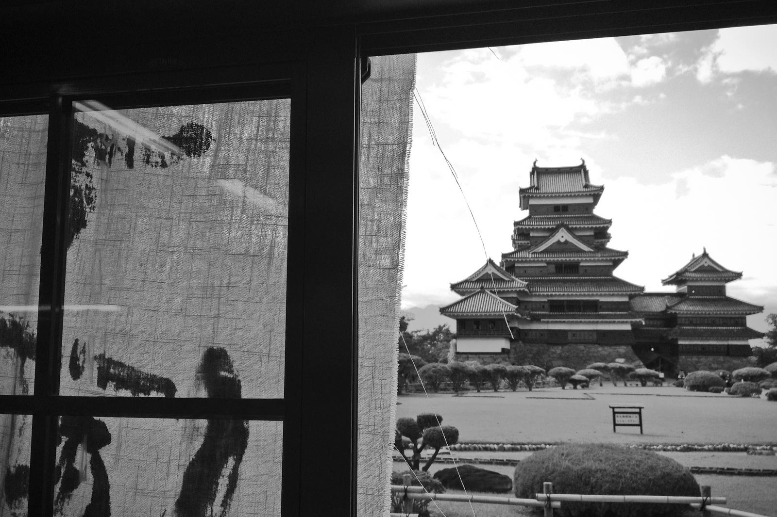 matsumoto castle bw