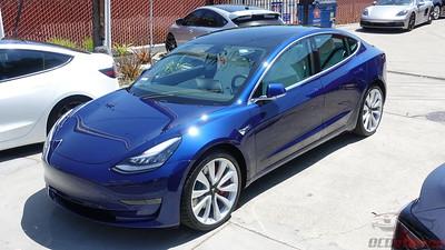 Tesla Model 3 - Deep Blue Metallic 5