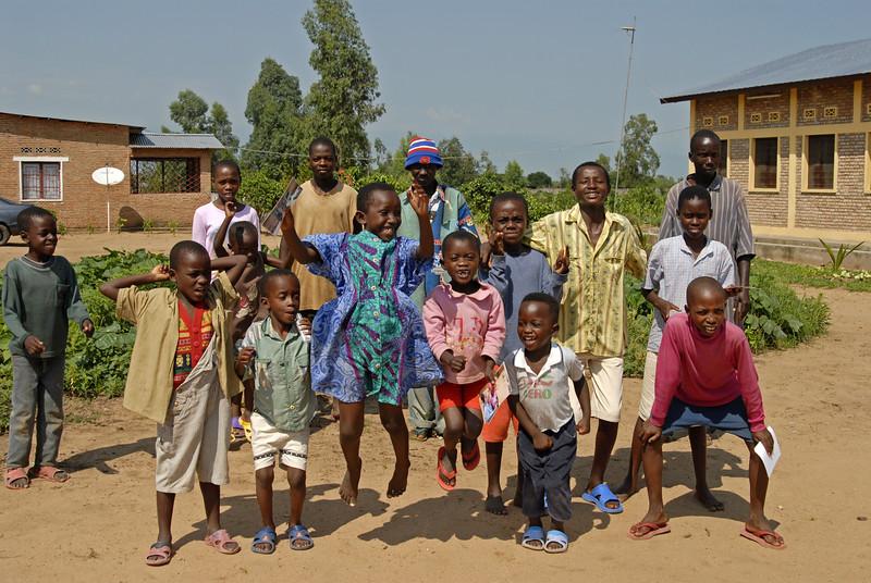 070108 3718 Burundi - Bujumbura - Peace Village _G _L ~E ~L.JPG