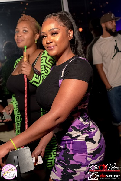 GAL FARM THURSDAYS PRESENTS IT'S GLOW NEON EDITION-193.jpg