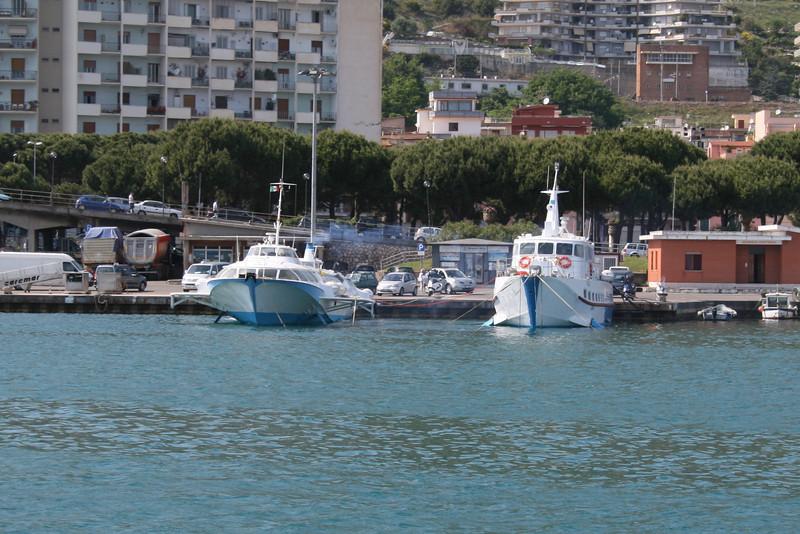 2011 - Hydrofoils NILO and VETOR 944 in Formia.