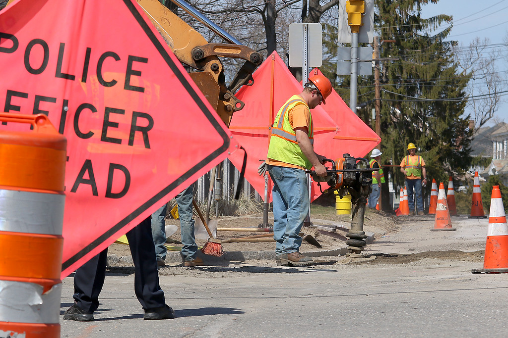 . Unitil replacing a gas line on South Street in Fitchburg on Tuesday April 11, 2017. SENTINEL & ENTERPRRISE/JOHN LOVE