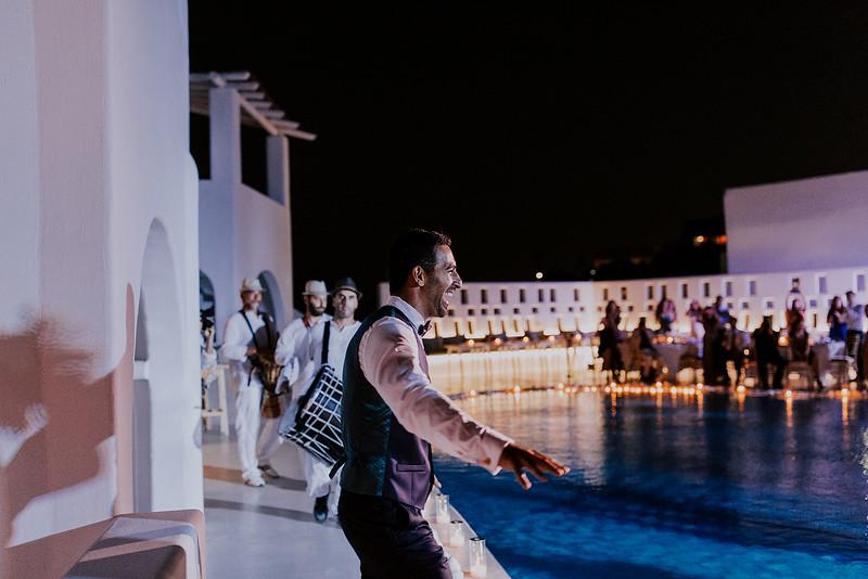 Tu-Nguyen-Destination-Wedding-Photographer-Santorini-Rocabella-Hotel-Euna-Ehsan-736.jpg