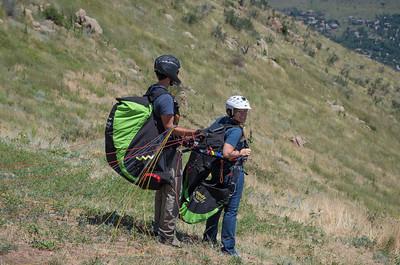 2015-07-ParaglidingSara