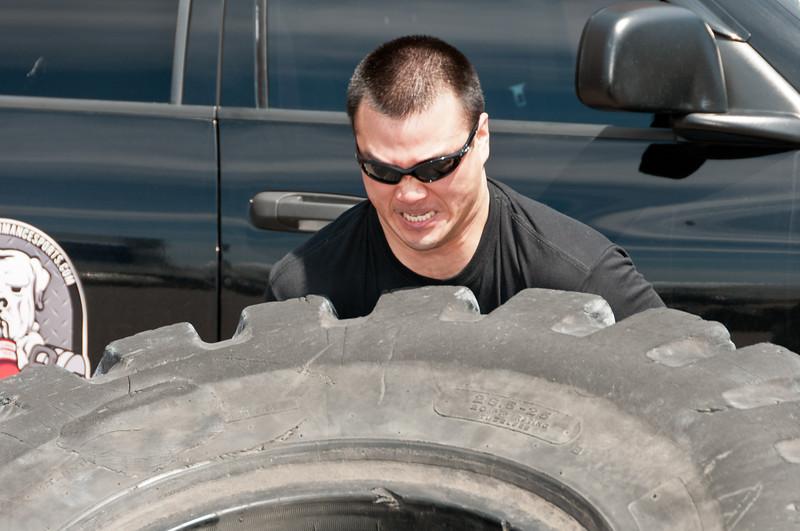 Strongman Saturday 4-14-2012_ERF4132.jpg