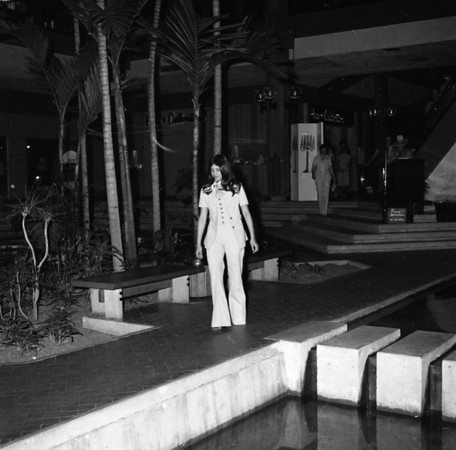 Unknown Fashion Show (1976)