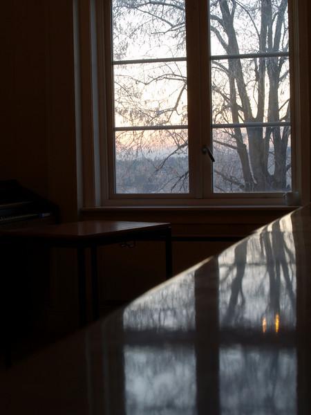 Skjev minivisjon. Rønningen Folkehøgskole 13. desember 2007 ******* Crooked vision. Rønningen Folk High School, December 13. 2007 (Foto: Geir)