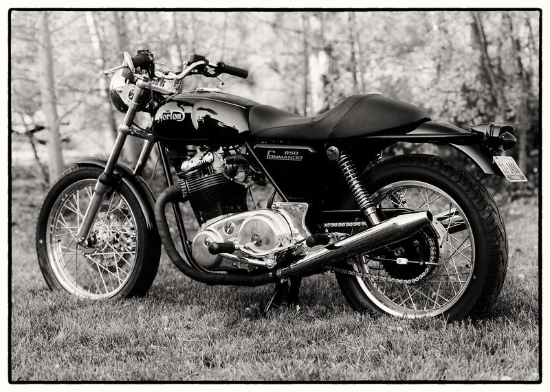 12-Norton-Commando.jpg