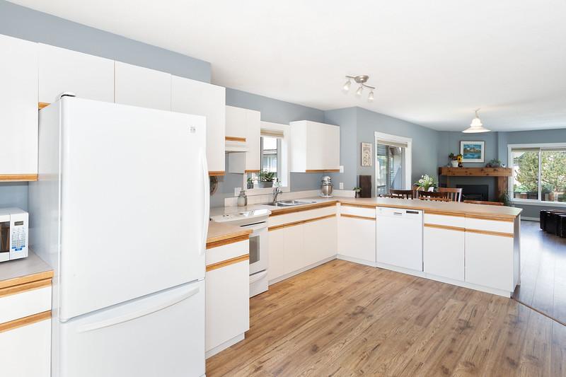 M11 Kitchen B.jpg
