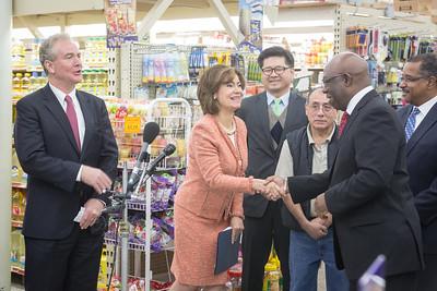 2014-11-24 DC - PressConf @ Americana Groceries
