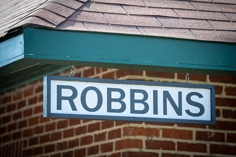 Robbins-Sign-May-21-2021-John-Patota.jpg