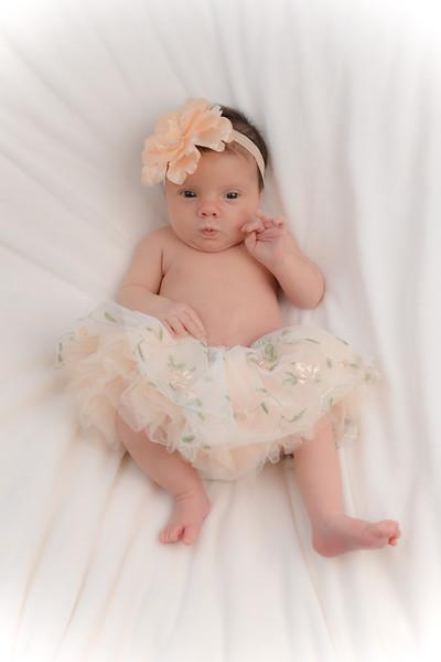 Newborn - Reyenger -0016.jpg