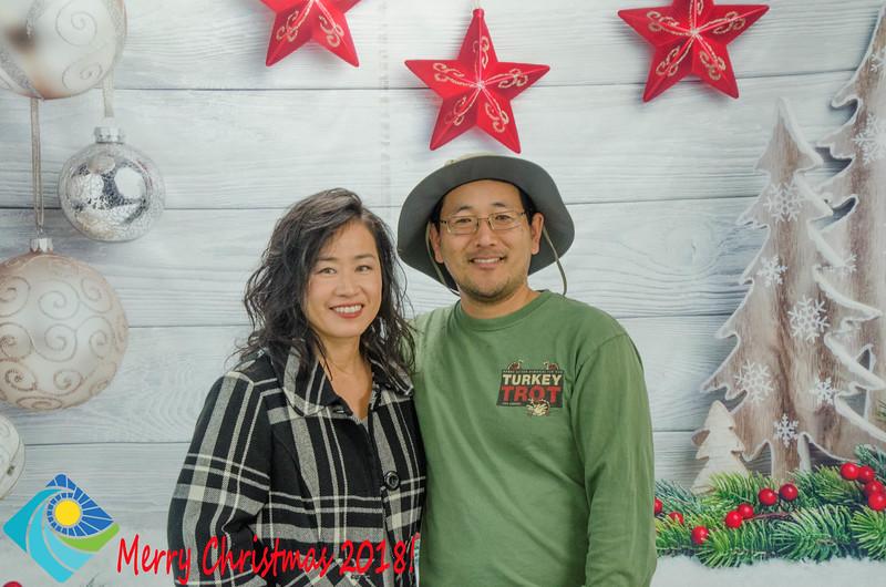 Christmas Photobooth 2018 Sunday-072.jpg