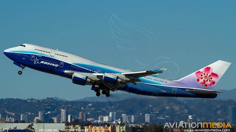 B-18210_ChinaAirlines_B747-409_Boeing-Dreamliner_2.jpg