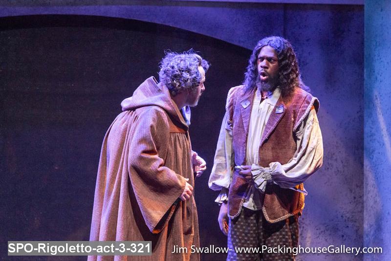 SPO-Rigoletto-act-3-321.jpg