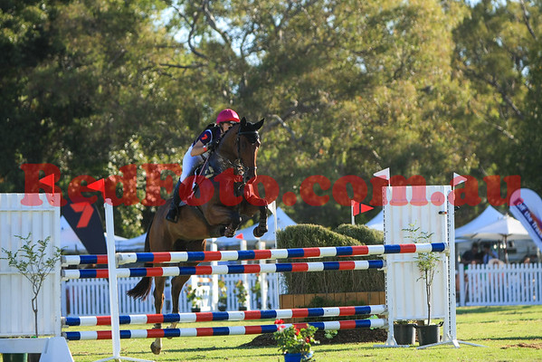 2016 12 10 Eventing in the Park Grand Prix 24 Belinda Isbister Here to Stay