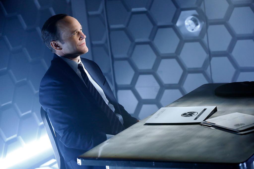 ". MARVEL\'S AGENTS OF S.H.I.E.L.D. - \""Pilot\"" (ABC/Justin Lubin) CLARK GREGG"