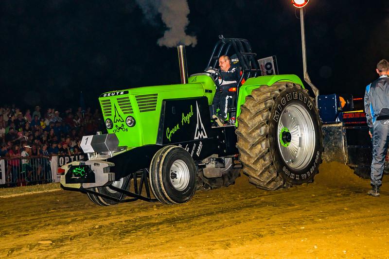 Tractor Pulling 2015-08314.jpg