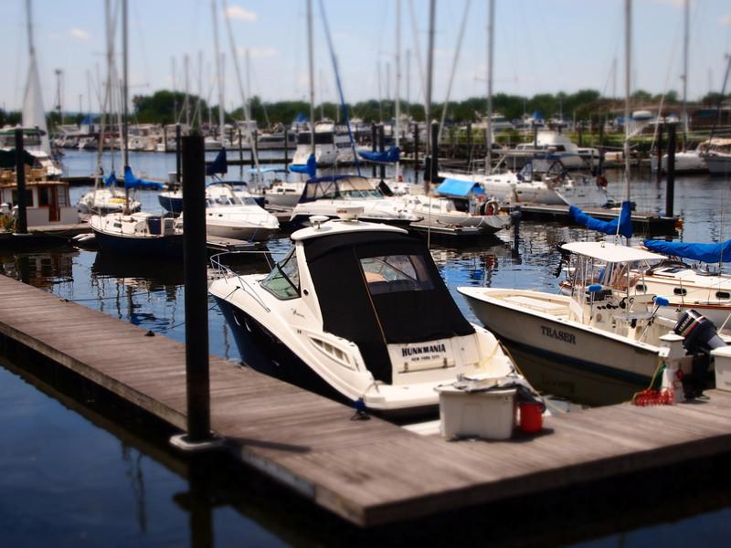 hunkmania-boat.jpg