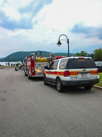 6-4-16 Boat Fire, Hudson River, Photos By Bob Rimm