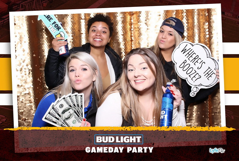 washington-redskins-philadelphia-eagles-football-bud-light-photobooth-20181203-211932.jpg