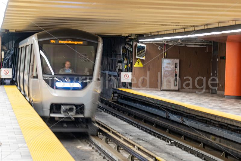 2374 Montreal-metrorev1crp2.jpg
