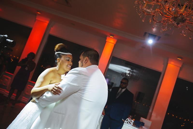 MER__0900_tonya_josh_new jerrsey wedding photography.jpg