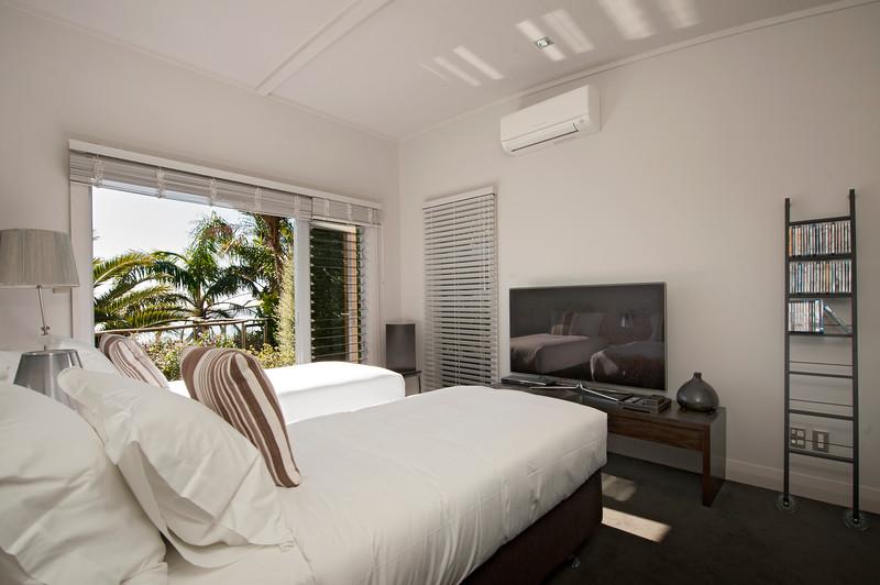 Cloud 9 Luxury Villa - Twin Guest Room
