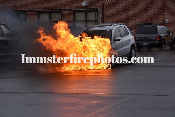 HICKSVILLE PSE&G CAR FIRE 4-3-16