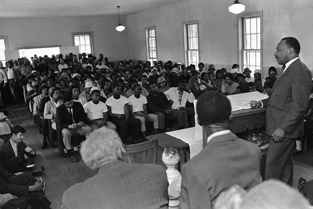 . Dr. Martin Luther King recruiting �Poor� for march on Washington D.C., at Batesville, Miss.,  March, 19, 1968. (AP Photo/Jack Thornell )