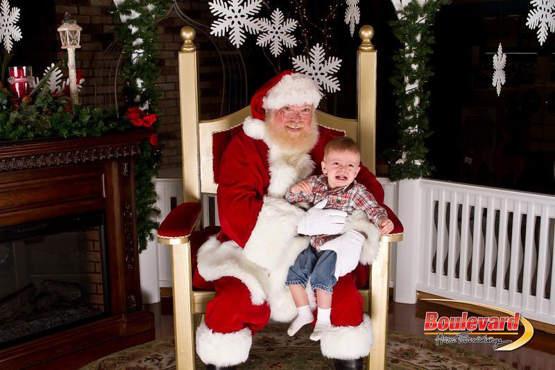Santa Dec 15-183.jpg