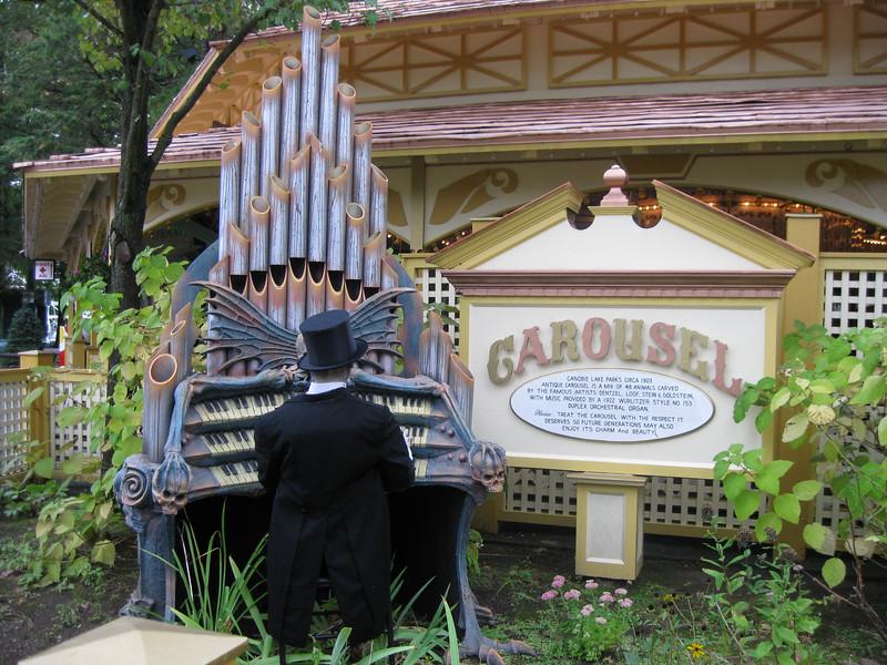 Haunted organ theming at the Carousel.