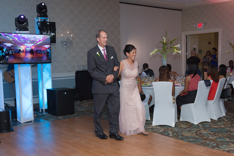 194_speeches_ReadyToGoPRODUCTIONS.com_New York_New Jersey_Wedding_Photographer_J+P (730).jpg