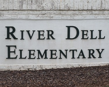 River Dell Elementary School 15Aug2017