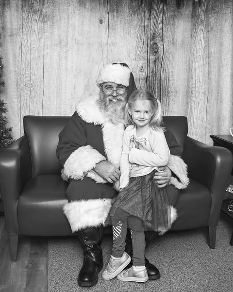 Ameriprise-Santa-Visit-181202-4954-BW.jpg