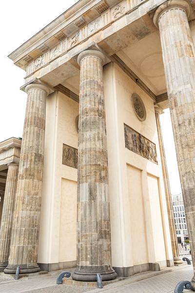 Brandenburg Gate-9587.jpg
