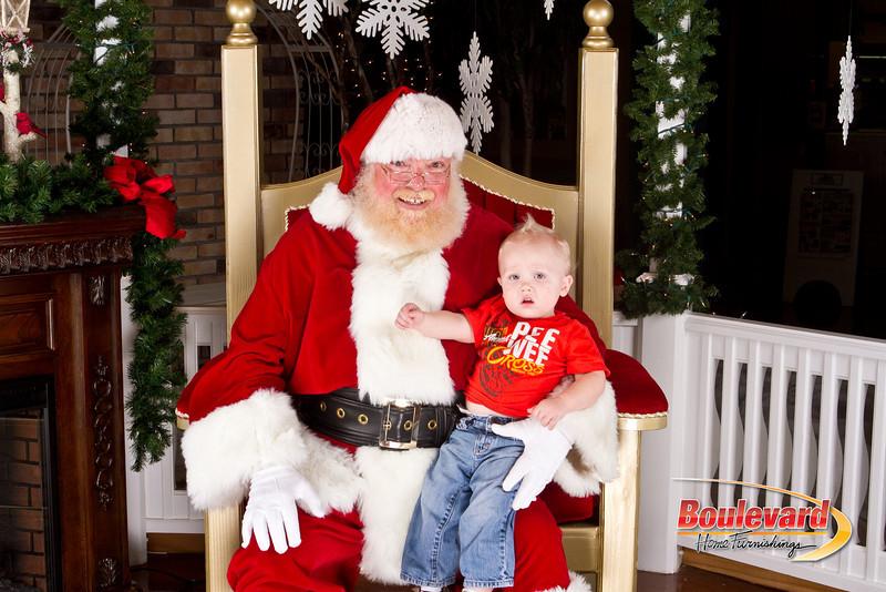 Santa Dec 8-338.jpg