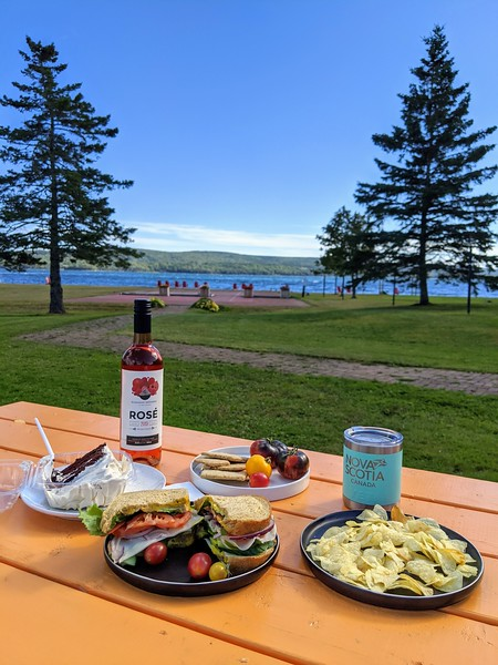 cape breton inverary inn picnic 3.jpg
